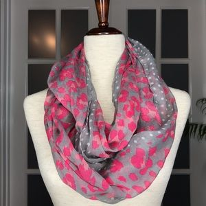 NWOT Infinity Scarf Gray m, White, & Pink Print